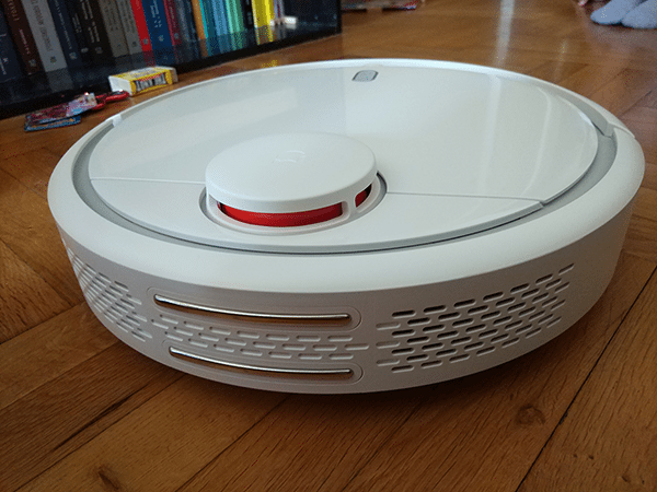 Review: Xiaomi Mi Robot Vacuum - A Cheap Roomba Alternative